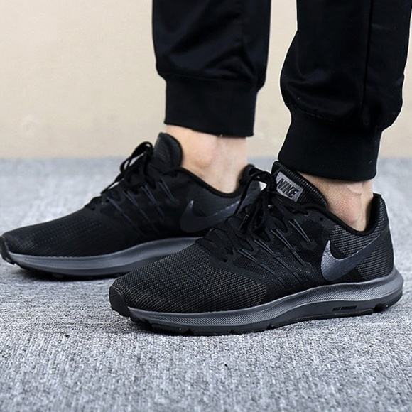 962c2650449d Nike Run Swift Men s Running Shoes. M 5b4eaeb8c61777212052c21c